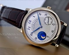 A. Lange & Söhne - 1815 Moonphase F.A. Lange Homage, ref.212.050, limited 265 pcs - Manual-winding, cal.L943.2, 3Hz, 45hr, moon phases - 37.4mm, honey gold case, silver dial ~19k