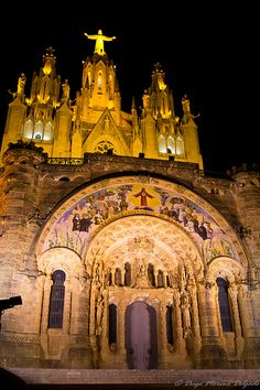 Templo Expiatorio del Sagrado Corazón Gaudi, Mosques, Barcelona Spain, Kirchen, Architecture Details, The Places Youll Go, Barcelona Cathedral, Worship, Cities