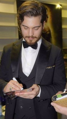 i need this autograph from u . Dream Boy, Dream Life, Cagatay Ulusoy, Forbidden Love, Actrices Hollywood, Turkish Actors, Actor Model, My Crush, Eye Candy
