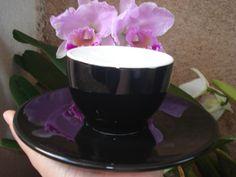 Jogo Xícara e Pires Crema Ware além de linda conserva por mais tempo a crema do café espresso. Ideal para latte art.