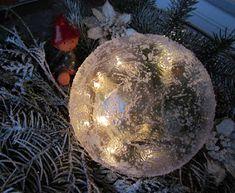 VillaTuta: Jääpallo ilman jäädyttämistä! Christmas Bulbs, Xmas, Snowflakes, Holiday Decor, Winter, Diy, Home Decor, Plants, Winter Time