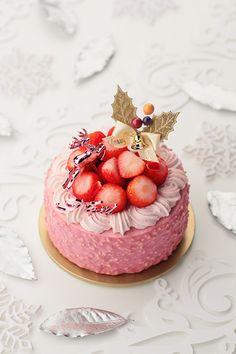 Strawberry Desserts, Mini Desserts, Beautiful Cakes, Amazing Cakes, Mini Cakes, Cupcake Cakes, Cake Decorating For Beginners, Valentines Food, Dessert Decoration