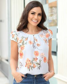 new collection details Blouse Patterns, Blouse Designs, Blouse Styles, Corsage, Cute Tops, Blouses For Women, Floral Tops, Fashion Dresses, Casual