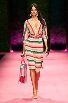 Fashion Week Milan Spring/Summer 2019 look 3 from the Elisabetta Franchi collection womenswear Summer Dress Outfits, Spring Dresses, Spring Outfits, Dress Summer, Summer Wear, Spring Fashion Trends, Spring Summer Fashion, Style Summer, Fall Fashion