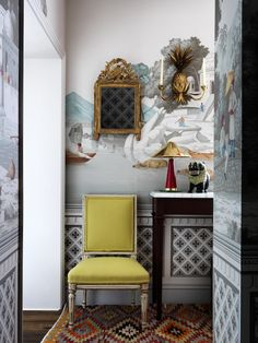 See the Lush London Flat of the de Gournay Wallpaper Heiresses   1stdibs