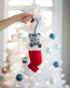 All About Ami's crochet kitten is all snuggled up in his stocking ready for the big day. This fab free kitten crochet Christmas stocking pattern also works as a functioning Christmas stocking as well as making a great decoration too!
