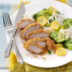 Parm- Breaded Pork Chops courtesy of my Taste of Home magazine. So easy and so good. Breaded Pork Chops, Pork Loin Chops, Baked Pork, Easy Summer Meals, Summer Recipes, Barbecue Pork Ribs, Chops Recipe, Pork Dishes, Pork Chop Recipes