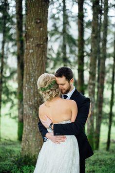 Photography: Bethany Small Photography - bethanysmallphotography.com  Read More: http://www.stylemepretty.com/2014/04/28/handmade-rustic-barn-wedding/