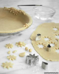 {Tutorial} Use cookie cutters or other shapes to cut out some fun things for your pie crust