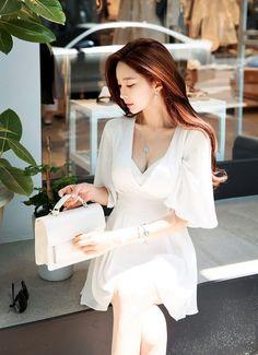 Korean Fashion Dress, Asian Fashion, Girl Fashion, Korea Fashion, India Fashion, Beautiful Girl Image, Beautiful Asian Women, Glamour Ladies, Korean Women