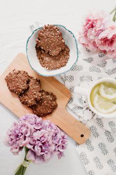 Vegan gluten free carob delicious cookies recipe Delicious Cookie Recipes, Yummy Cookies, Chocolate Flavors, Vegan Gluten Free, Treats, Cheese, Food, Sweet Like Candy, Goodies