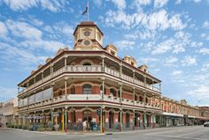 Built in the heritage listed National Hotel in Fremantle was beautifully refurbished in 2013 and is open 7 days serving modern cuisine for breakfast, lunch and dinner. Australia Living, Western Australia, Australia Tourism, Alfresco Area, Old Pub, Vintage Hotels, Perth, Hotel Offers, Westerns