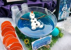 Everything for a Frozen-themed party - this is the Floating Olaf Jelly