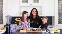 Today, we're kicking off with Tiffani's kid-approved Chocolate Dream Açaí Bowl. - Today, we're kicking off with Tiffani's kid-approved Chocolate Dream Açaí Bowl using our Orig - Frozen Banana, Kids Sand, Crunchy Granola, Chocolate Dreams, Powder Recipe, Unsweetened Almond Milk, Coconut Cream, Fresh Fruit