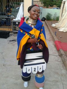 Sepedi Traditional Attire and Dashiki For Wedding - Styles Art African Girl, African Men Fashion, Africa Fashion, African Fashion Dresses, African Traditional Wedding, Traditional Fashion, Traditional Outfits, Traditional Weddings, Modern Traditional