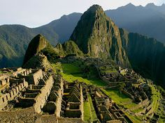 machu-picchu a pre-Columbian Inca site located metres above sea level. Machu Picchu is located in the Cusco Region of Peru, South America. Machu Picchu Travel, Machu Picchu Tours, Dream Vacations, Vacation Spots, Vacation Travel, Dream Trips, Time Travel, Voyage Montreal, Places To Travel