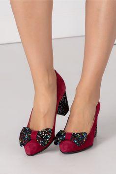 Pantofi magenta din piele intoarsa cu toc gros si buline colorate Trendy Ideas For Women's Snea Magenta, Slippers, Flats, Sneakers, Blog, Shoes, Women, Fashion, Ladies Shoes
