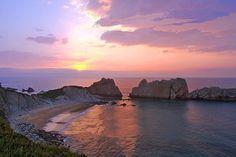 Playa de Cerrías  SANTANDER: Se alquila casa villa chalet  para fijo  a 1 km. de playas (Parque Natural de las Dunas de Liencres) y  a 8kms. de SANTANDER.4 hab. 3 baños, jardín privado vallado con terraza cubierta. Chalet independiente en urbanización privada cerrada con piscina comunitaria. Precio 850€ mes.VER:  http:// chaletsantander.galeon.com  E-mail. jmcabeza@telefonica.net  Tfnos.: 942344836   ----   676750777