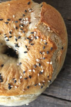 Made with only 8 ingredients, these homemade bagels are easy to make and taste heavenly. They're of much higher quality than the store bought kind and are also way cheaper!