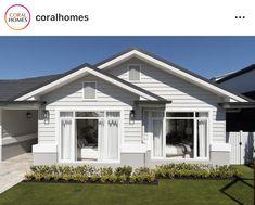 Exterior House Colors, Exterior Paint, Dulux Dieskau, Paint Colors For Home, Paint Colours, Facade House, House Painting, Cladding, Beach House