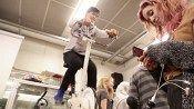 Ressun oppilaat yhdistävät ilmastonsuojelun ja kuntoilun – lataavat kännykkänsä kuntopyörällä - Ilmasto Muuttuu - HS Ilta - Helsingin Sanomat