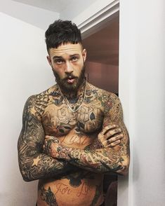 Billy Huxley inked up Hot Guys Tattoos, Boy Tattoos, Badass Tattoos, Life Tattoos, Body Art Tattoos, Sleeve Tattoos, Beard Tattoo, I Tattoo, Billy Huxley
