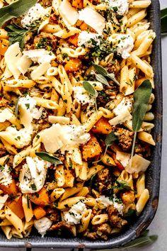 Goat Cheese Pasta, Goat Cheese Recipes, Cheese Spaghetti, Spaghetti Squash, Fall Recipes, Dinner Recipes, Autumn Pasta Recipes, Creamy Pasta Dishes, Best Pasta Dishes