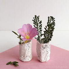 Plaster vase - Journ...