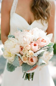 little winter bride: Flower Spotlight: pastel peaches n' cream bouquet