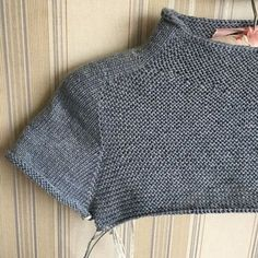 Best 11 Knitting Patterns Top Four-segment method top to bottom – choiyoba – filth Diy Crafts Knitting, Free Knitting, Baby Knitting, Cardigan Pattern, Top Pattern, Knitting Machine Patterns, Knitting Patterns, Diy Pullover, Knitting Magazine