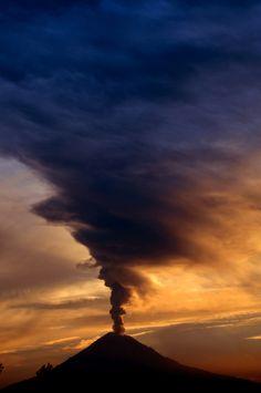 "c1tylight5:  ""Volcano with big smoke"" byCristobal Garciaferro Rubio"