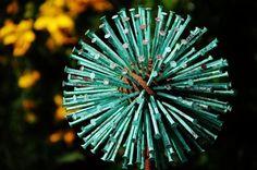 How to make a beautiful garden with Allium Sculpture - Garden Art Sculptures Outdoor Crafts, Outdoor Art, Metal Garden Art, Metal Art, Rusted Metal, Garden Crafts, Garden Projects, Outdoor Sculpture, Sculpture Ideas