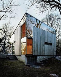 Pared de espejos The Cottage by Gray Organschi Architecture