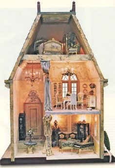 would be nice layout for a halloween dollhouse