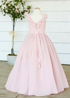 Bridesmaids, Tulle, Chiffon, Flower Girl Dresses, Formal Dresses, Skirts, Fashion, Moda, Bridesmaid