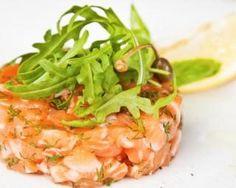 Tartare de saumon aux agrumes : http://www.fourchette-et-bikini.fr/recettes/recettes-minceur/tartare-de-saumon-aux-agrumes.html