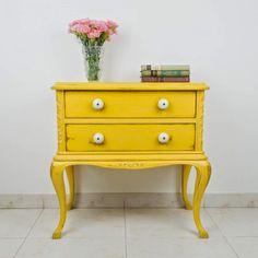 Las Auténticas: enero 2015 Small Furniture, Refurbished Furniture, Colorful Furniture, Repurposed Furniture, Furniture Makeover, Vintage Furniture, Painted Furniture, Home Furniture, Annie Sloan Furniture