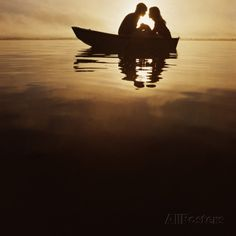 couples in a boat  | Silhouette of Couple on Boat Photographic Print