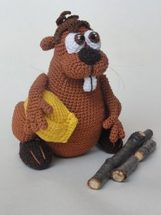 This is a crochet pattern and not the toy.  Following this pattern Bob the Beaver will be approximately 20cm. The pattern is available in English.  More