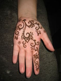 Easy Simple Henna for Palm