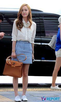 Snsd girls generation GG airport fashion Korean style Kpop Jessica Jung denim skirt