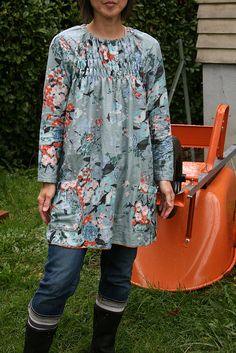 Sister-wife tunic thingy by super eggplant, via Flickr