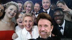 Chuck Norris macht Selfies mit beiden Händen hinter dem Rücken. Happy Birthday zum 74er.  Chuck Norris can take a selfie with both hands tied behind his back. Happy 74 th Birthday.  #ChuckNorris #Birthday #Chuck #Norris #HappyBirthday #ChuckNorrisHappyBirthday