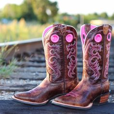 Black &amp pink cowgirl boots | Shoes Shoes and More Shoes