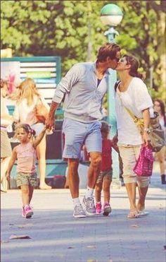 Roger Federer and Family Atp Tennis, Sport Tennis, Federer Twins, Roger Fedrer, Roger Federer Family, Mirka Federer, Players Wives, Vive Le Sport, Tennis Legends