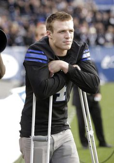 Dick Harmon: BYU football: Faith, hard work boost quarterback Taysom Hill's recovery from injury Football Injuries, Byu Football, Lds Memes, Brigham Young University, Book People, Sport Fashion, My Hero, Work Hard, Sexy Men