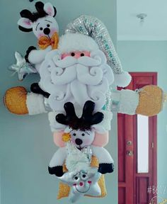 Colgante Santa Felt Ornaments, Snowman, Diy And Crafts, Disney Characters, Fictional Characters, Rose, Christmas, Art, Xmas
