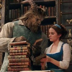 This is the real goal. Any fans of beauty and the beast here? Belle Aesthetic, Princess Aesthetic, Disney Aesthetic, Disney Pixar, Arte Disney, Disney Films, Emma Watson, Live Action, Beauty And The Beast Movie