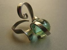 http://www.sissibrindacier.com/IMG/jpg/-90.jpg Bague fourchette et bille à jouer Fork jewelry Fork ring