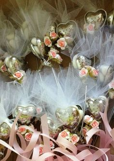 Get ready for tea time with these tea leaf spoon party favors! Perfect for weddings or christenings!